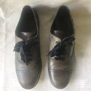 Born Netties brown distressed leather Oxfords